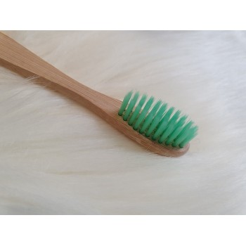 Brosse à dents en bambou simple pour adulte